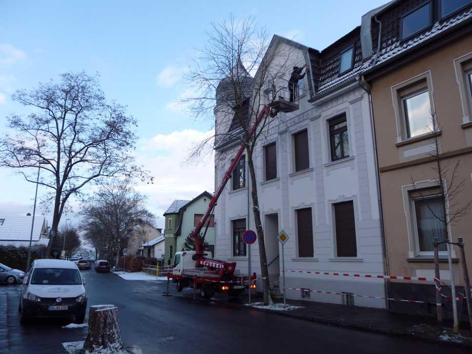 sturmschaden reparatur dachdecker firma von sturm rheinbachdachdecker firma von sturm rheinbach. Black Bedroom Furniture Sets. Home Design Ideas